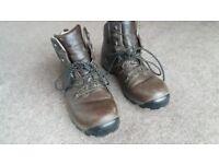 Men's walking boots size 9