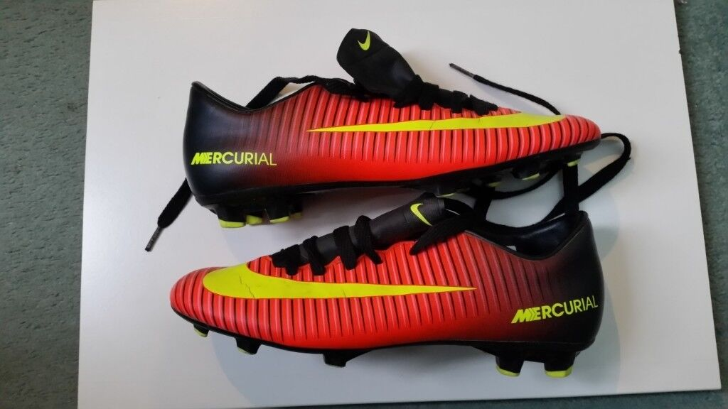 0918d178ce7 Nike Mercurial Vortex Football Boots Size 6