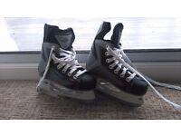 Boys ice skates size 10 y hockey type