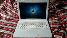 "Macbook 13"" Laptop - 4GB RAM / Nvidia 9400m / 320GB HDD BARGAIN + Apple Mouse"