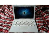 "Macbook 13"" Laptop - 4GB RAM / Nvidia 9400m / 320GB HDD BARGAIN + Apple Mouse"