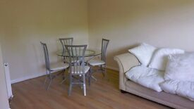 Rooms to rent in 3 Bedroom House in Horsham