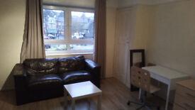 3 bedroom flat in a purpose built block in Hampstead NW3.