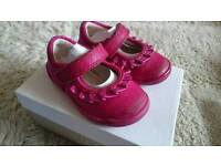 Clarks toddlers shoe size 4f.