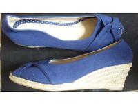 Golden Guess, Silver Converse and Summer Matalan sandal