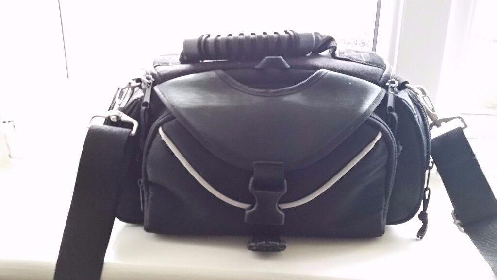 small DSLR camera bag