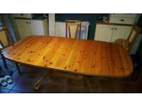 Extendable dining table, seats 6 to 8, pine
