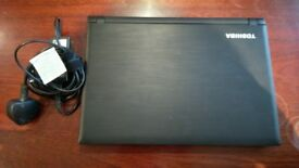 Toshiba Satellite C40-C-10Q laptop with charger