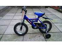 Boys Raleigh racer bike
