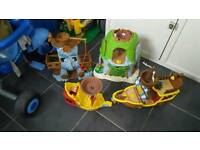 Jake and the never land pirates full set houses figures and 2 boats
