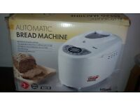 BRAND NEW AUTOMATIC BREAD MAKER