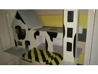 Toy car play garage