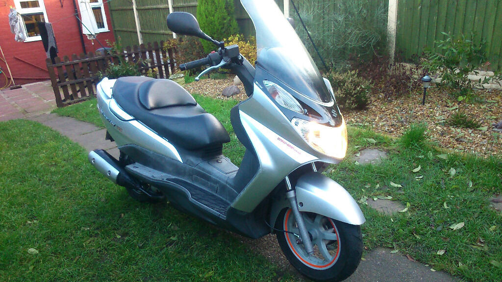 suzuki burgman 125 scooter 2004 mot may 2017 in. Black Bedroom Furniture Sets. Home Design Ideas