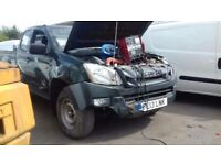 2013 isuzu d max accient damaged