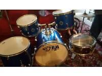 Minimum 7 pice drum set blue