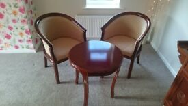 Occasional table and 2-armchair set