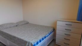 Single room available in Westferry station. £140pw all incl