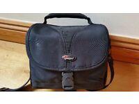 Lowepro Rezo 140 DSLR Camera Shoulder Bag With Strap