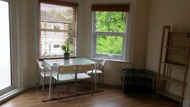 Sunny Gardens Road Hendon - 2 Bed Duplex First & Second Floor Flat