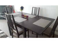 Extandable wooden dining set