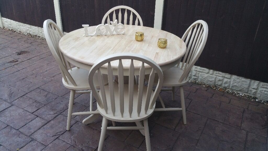 shabby chic solid wood round table with 4 chairs