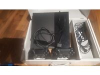 Ps4 500gb (fat) 2 controllers and free ps4 camera