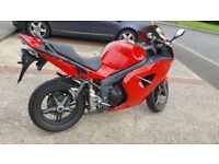 TRIUMPH Sprint St 1050 low mileage