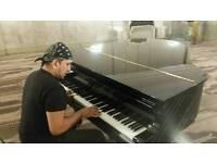 Keyboard player ( bhangra music )