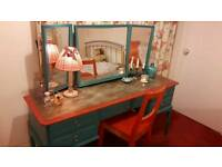Lovely dressing table+chair
