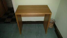 Lovely Oak Veneer Desk