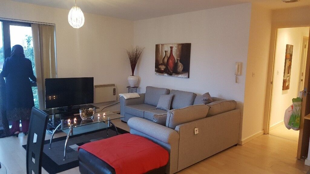 Immaculate 1 Bed Fully Furnished Apartment To Rent In Quay 5 Developments Salford Car Parking