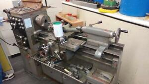 TOS S32  Metal Lathe, 1 Phase, includes tooling