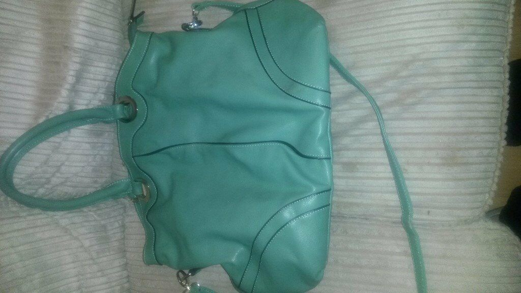Medium Size Green Handbag Hardly Used.