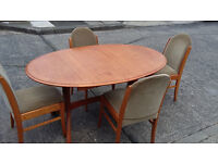 Brown Wood Extending Dining Table With 4 Chairs