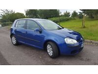 A VERY CLEAN AND BRIGHT VW GOLF 1.6 FSi 6 SPEED HATCHBACK