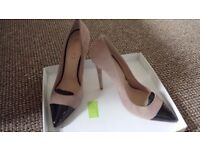 Ladies Beige Suede shoes with black toes. Office. Size 7. New in Box