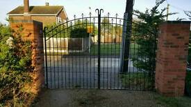 """Metal driveway gate fit 10""""6 opening can deliver local"""
