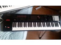 Roland Fa-06 Synthisizer