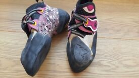 Womens 37.5 (UK 4.5) La Sportiva Solutions climbing shoes. Barely used