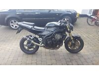 Triumph 955i daytona naked - so like a speed triple but faster