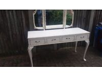 Beautiful piece of furniture, LOVELY condition
