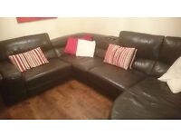 Corner leather couch with chaise longue brown