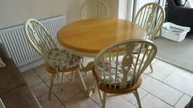 DiningTable pine +4 chairs