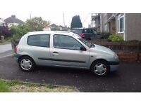 Renault CLIO good condition, perfect first car.