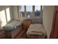 LOVELY DOUBLE ROOM FOR SHARING AVAILABLE NEXT TO KILBURN STN
