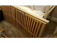 Single adjustable bed mechanism.