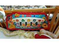 Cot musical toy