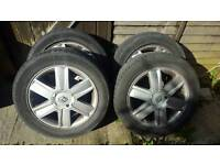 5 Wheels with tyres for Renault 4x100