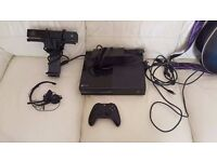 500 GB Xbox One with Kinect and Controller
