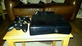Xbox 360 250gb Slim + 31 Games + Guitar